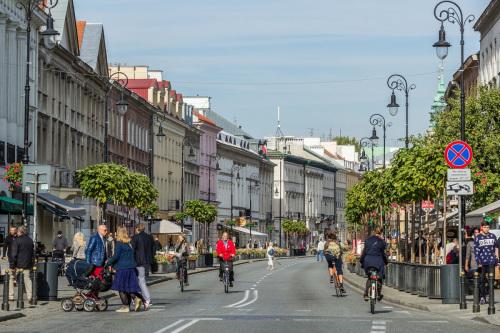Nowy Świat Street - full of bars and restaurants.