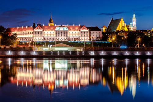 The Royal Castle from the Vistula river.
