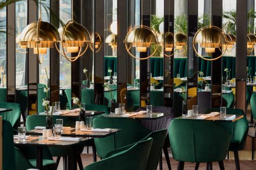 Crowne-Plaza-Warsaw-The-HUB_Nova-Wola-Restaurant-70